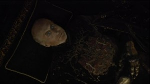 and per the orders from HBO executive, this episode met its quota of 'corpse or breasts in the first five minutes' care of all-around good sport Charles Dance.