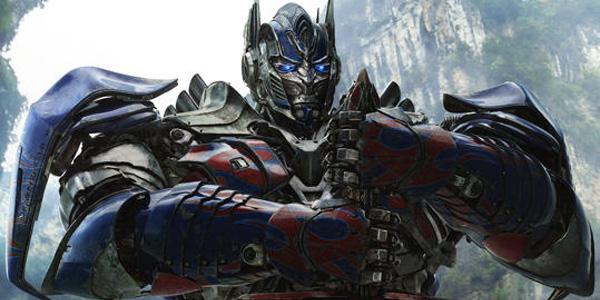 Optimus Prime masih berdiri kokoh diterpa banjir kritikan.
